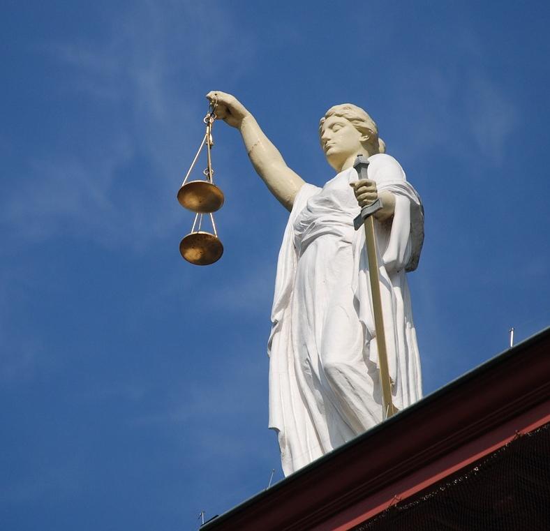 case-law-677940_1280sm